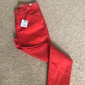 Zara ripped mom fit jeans 1975 size 6